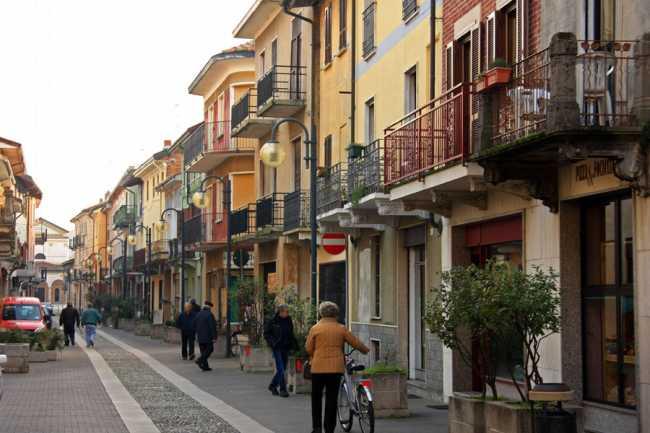 Romentino centro 700