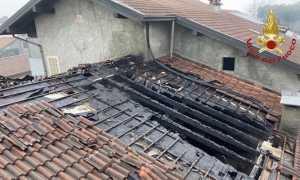 oleggio incendio tetto
